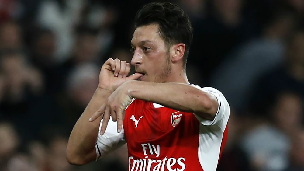 Ozil shelves Arsenal contract talks until summer