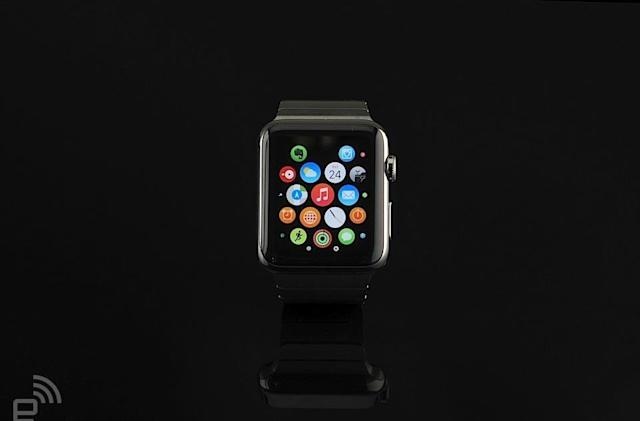 Apple delays the launch of watchOS 2 because of a bug