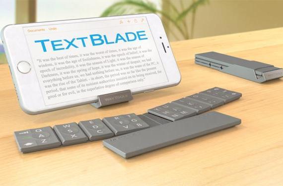 Look at this tiny iOS keyboard, just look at it