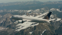 Can United Airlines stock keep climbing even as customers rank it near the bottom in satisfaction?