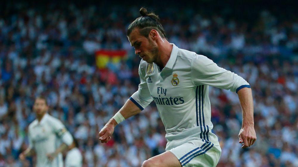 Bale limps out of El Clasico