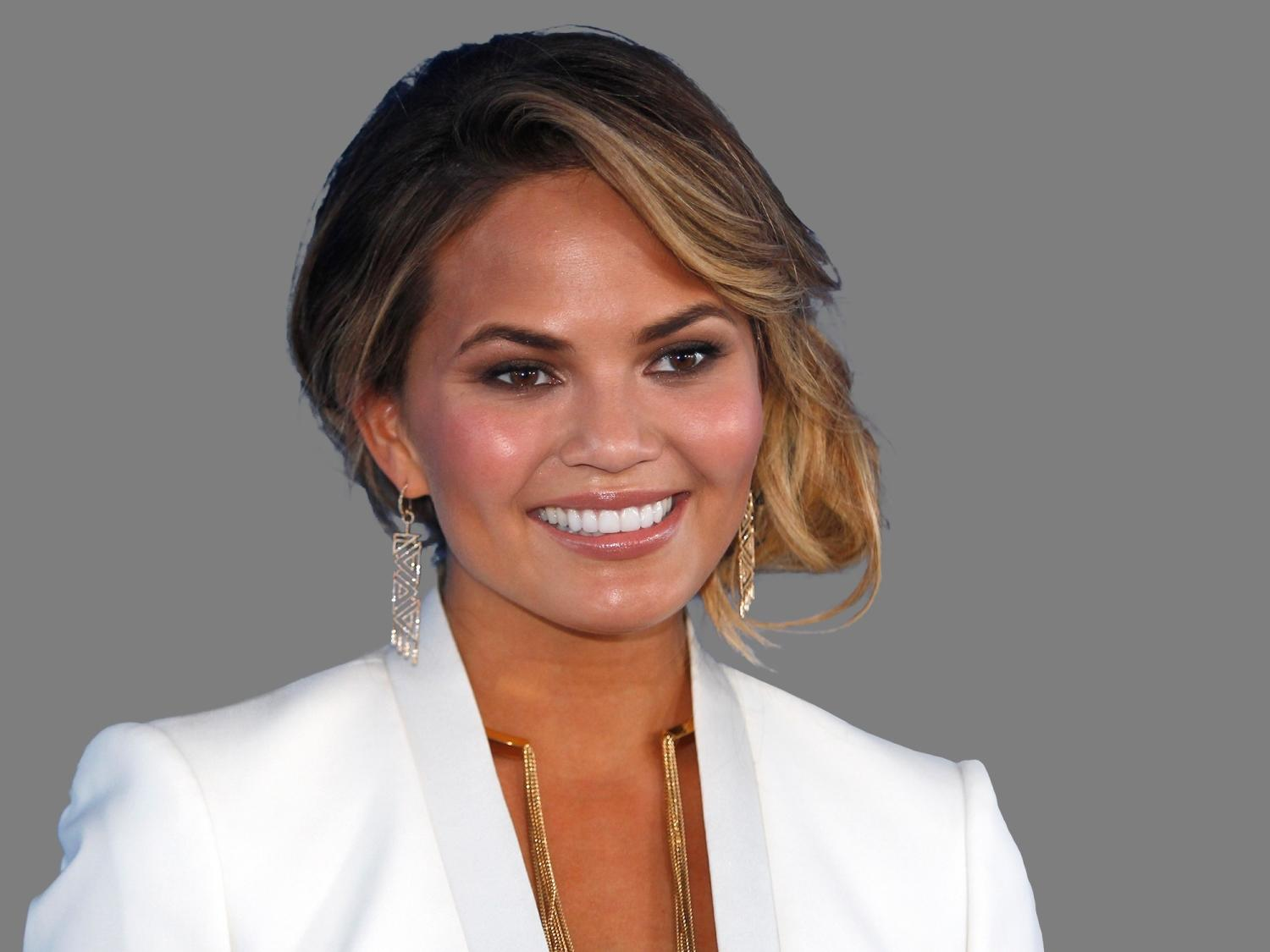 Chrissy Teigen says sorry after 'tone deaf and icky' tweet sparks anger