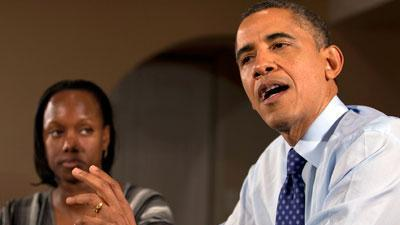 Obama visits family to pitch fiscal plan