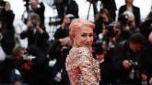 Helen Mirren se atreve con el pelo rosa en el Festival de Cannes