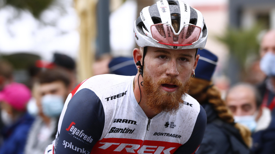 American cyclist Simmons suspended for pro-Trump comments