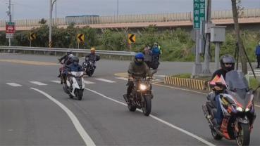 抗議北宜區間測速限速40公里  逾700騎士集結上路