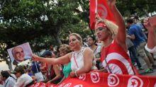 Les Tunisiennes veulent manifester pour l'école et la santé