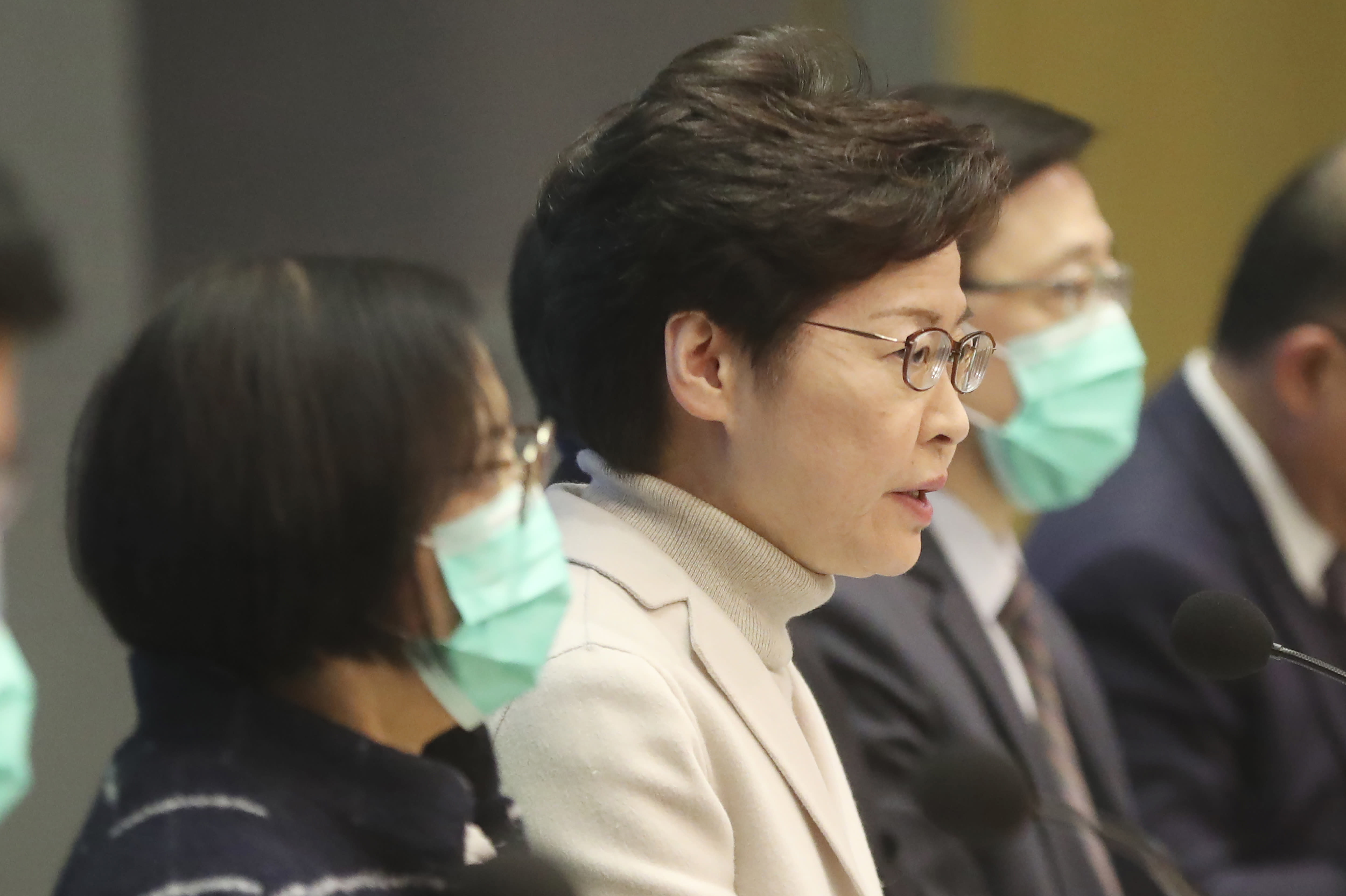 490 dead, 24,324 cases of coronavirus confirmed on Chinese mainland