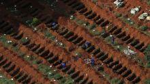 En el mayor cementerio de Brasil, sepultureros llevan propia cuenta de muertos por coronavirus