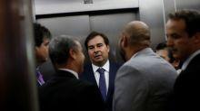 Ibovespa fecha em queda de mais de 3% com exterior desfavorável e cenário político no radar