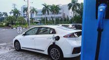 Mobil Canggih Meluncur di Jakarta, hingga Pemilik Motor Tertawa