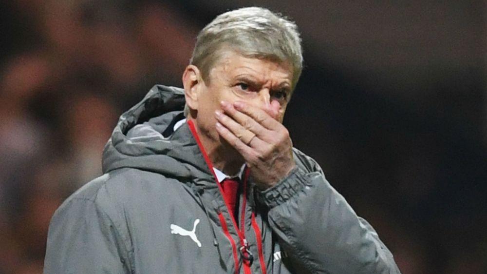 Arsenal fans and legends branded 'ungrateful' for Wenger treatment