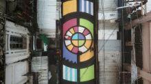 Un toque de color en la capital de El Salvador para distraerse de la COVID-19