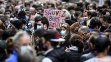 """""""Je veux qu'on me laisse travailler"""": à Marseille, les restaurateurs manifestent contre la fermeture de leurs établissements décidée par le gouvernement"""