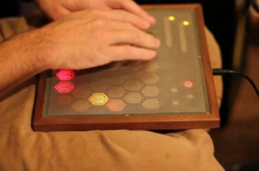 Snyderphonics Manta controller takes on Ableton Live, looks (and sounds) great doing it (video)