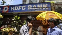 India HDFC Bank Seeks to Sustain Loan Growth With Share Sale