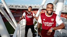 Arsenal apresenta uniforme para temporada 2020/21 com David Luiz entre os modelos