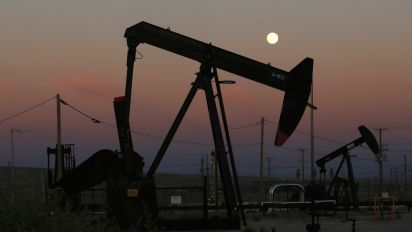 Oil expert: 'Looking at a worst case scenario of a $41 a barrel'
