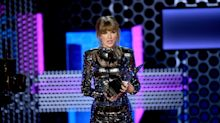 AMAs 2018: Taylor Swift again urges fans to vote in the midterms during electric acceptance speech