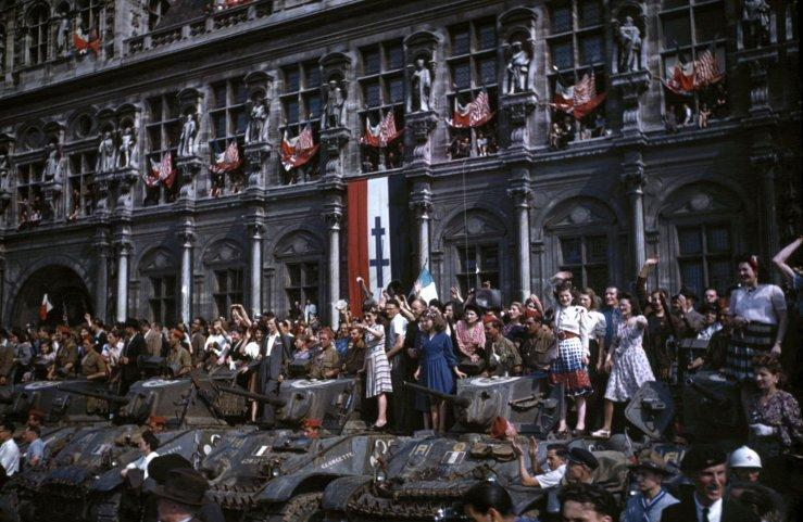 LIFE: Rare color photos mark D-Day anniversary