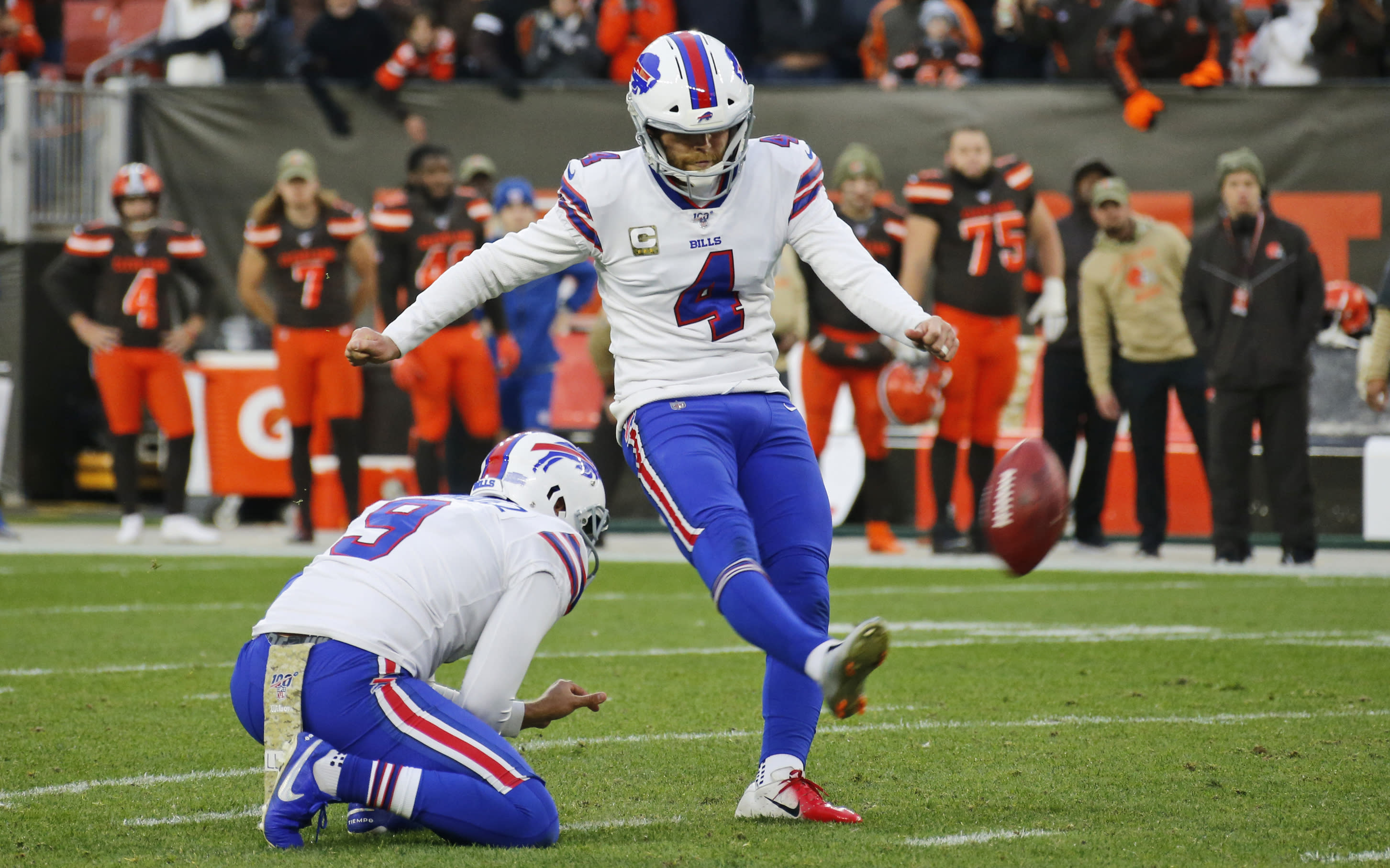 Buffalo Bills kicker Stephen Hauschka (4) misses a 53-yard field goal late during the second half of an NFL football game against the Cleveland Browns, Sunday, Nov. 10, 2019, in Cleveland. (AP Photo/Ron Schwane)