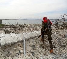 At Syria dam, US-backed fighters battle IS jihadists