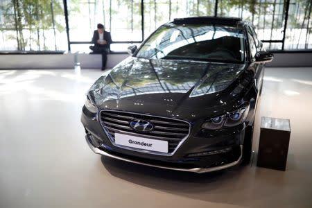 Hyundai Motor Profit Slumps Warns China U S Sales Malaise To Persist