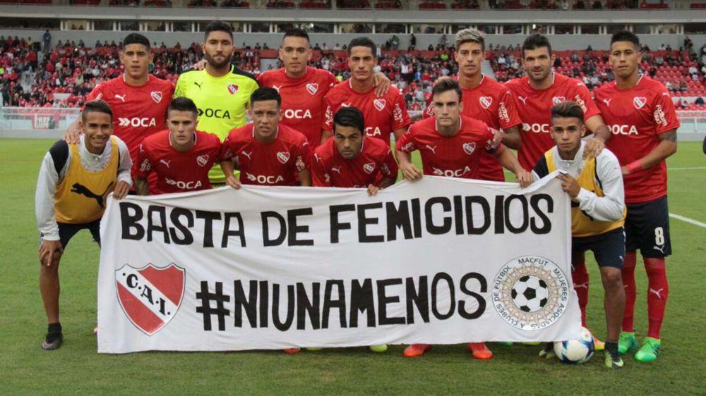 Independiente y Rafaela se manifestaron contra los femicidios
