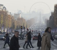 Parisians grapple with worst winter pollution in a decade