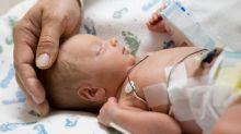 Un bebé prematuro estresaría más al papá