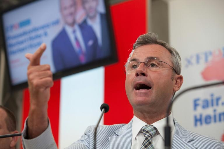 Far-right FPOe leader Norbert Hofer has openly said he wants another coalition with the conservative OeVP (AFP Photo/ALEX HALADA)