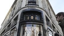 Burberry Gains on Optimism Scrapping Discounts Will Pay Off