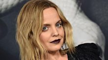 American Pie star Mena Suvari announces pregnancy