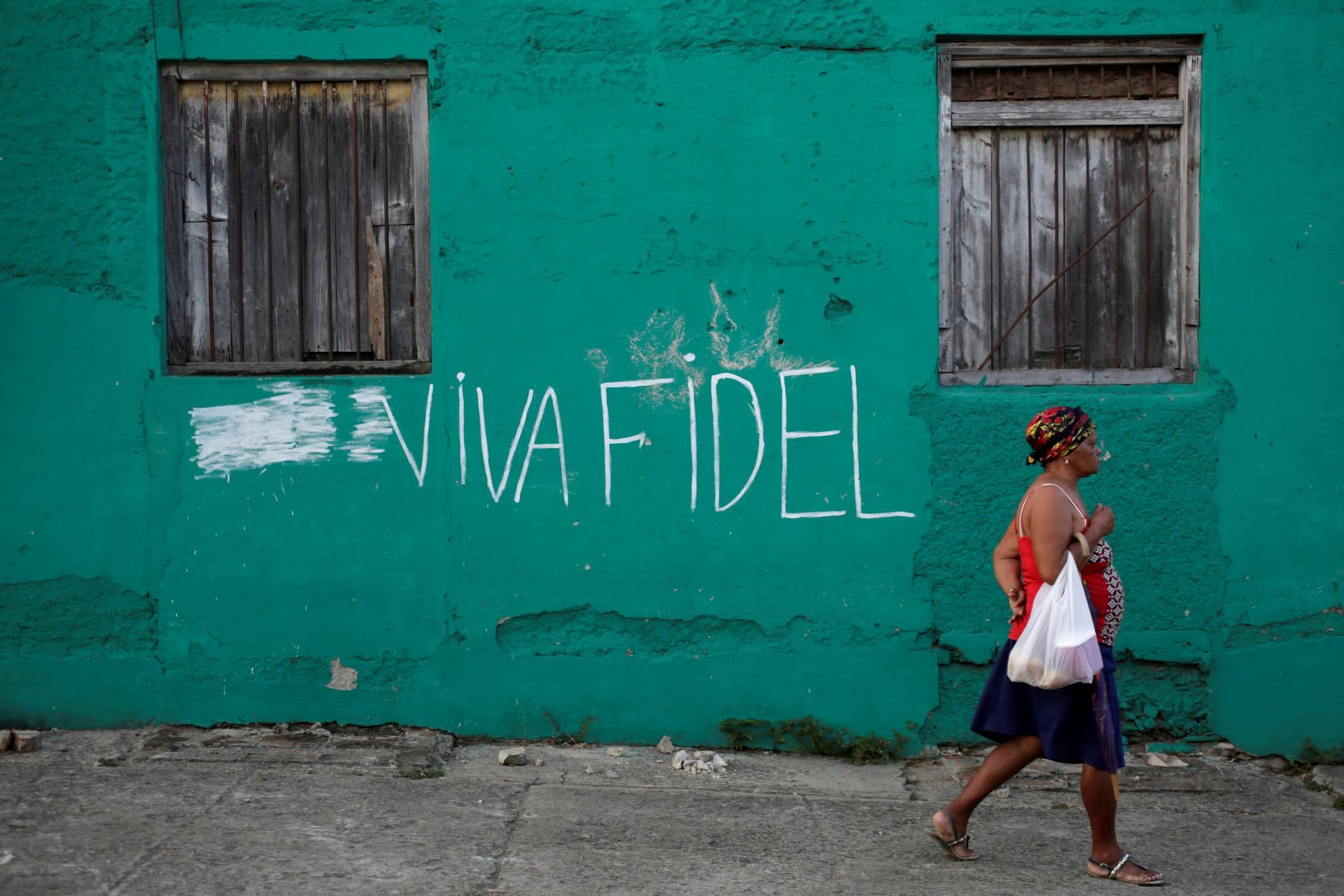 Cuba prolonga el duelo por Fidel Castro y suspende ...