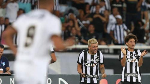 Victor Luís entende lesões do Botafogo: 'Não são robôs'