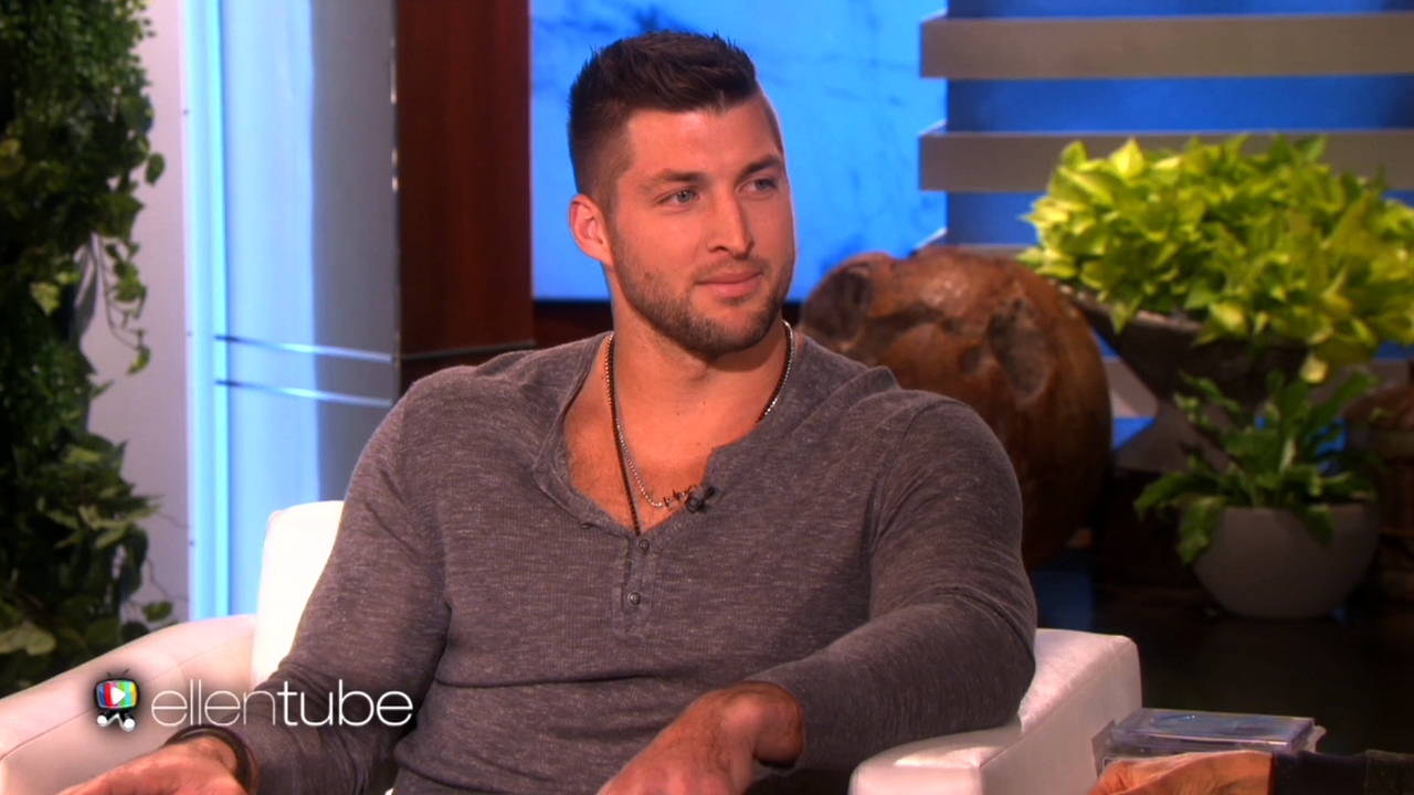 Who is tim tebow dating
