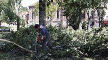 Dordogne : un homme se tranche la gorge avec une tronçonneuse