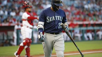 Mariners extend longest playoff drought in U.S.