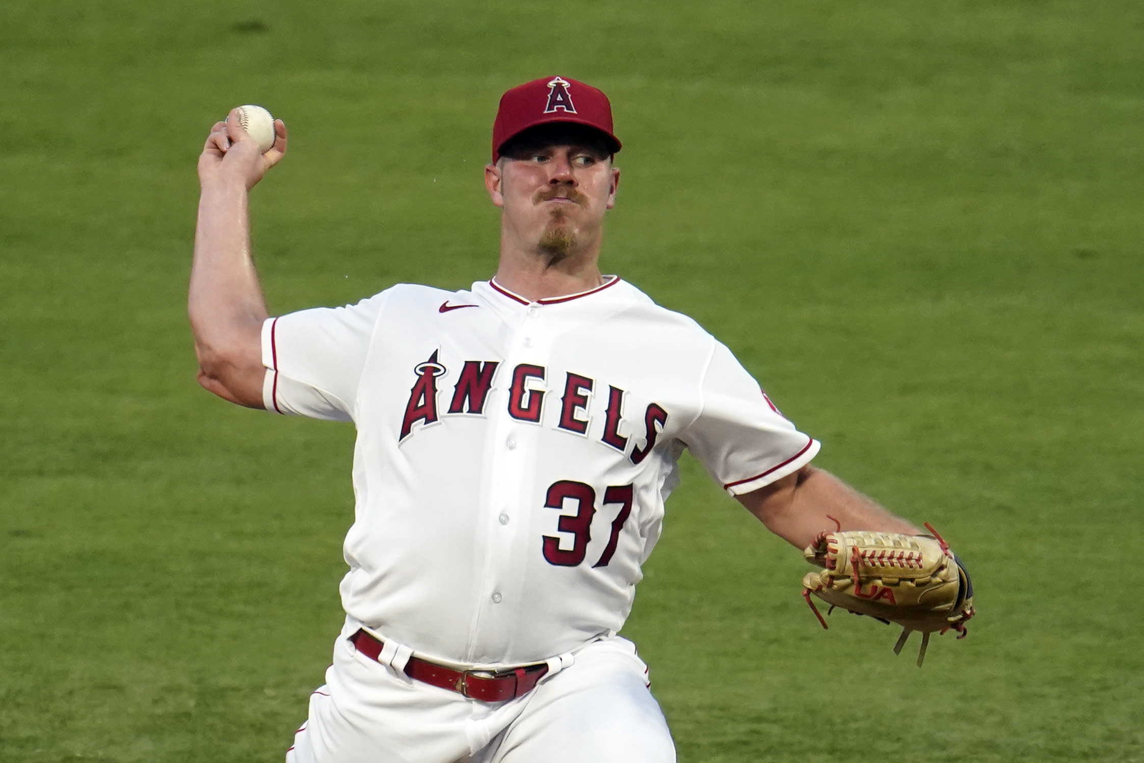 Los Angeles Angels starting pitcher Dylan Bundy throws to the Arizona Diamondbacks during the first inning of a baseball game Wednesday, Sept. 16, 2020, in Anaheim, Calif. (AP Photo/Marcio Jose Sanchez)