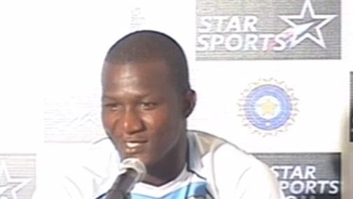 Our bowlers desperate to take Sachin's wicket: Sammy