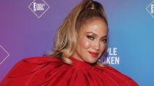 Atención con Jennifer Lopez que se acerca al Óscar cantando bajito