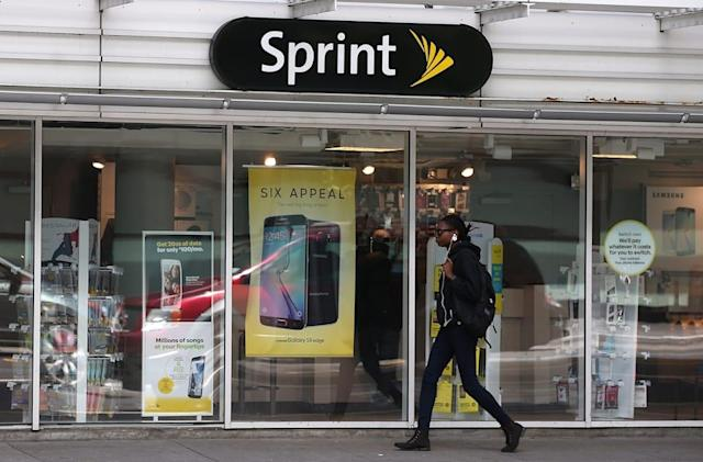 Sprint's latest family plan offers two unlimited lines for $100