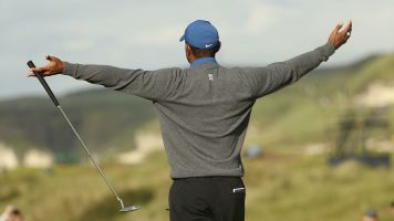 Tiger's back against the wall after poor start