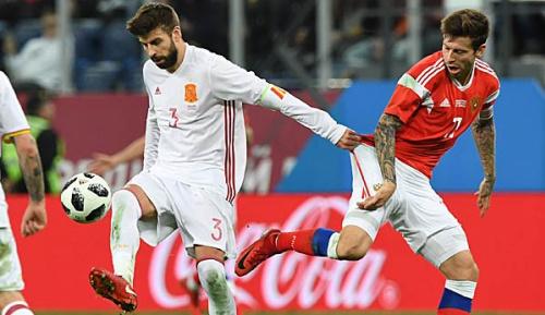 International: Sieben Monate vor WM-Beginn: Russland gelingt 3:3 gegen Spanien