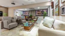 A decoração dessa sala de estar é acolhedora e inspiradora