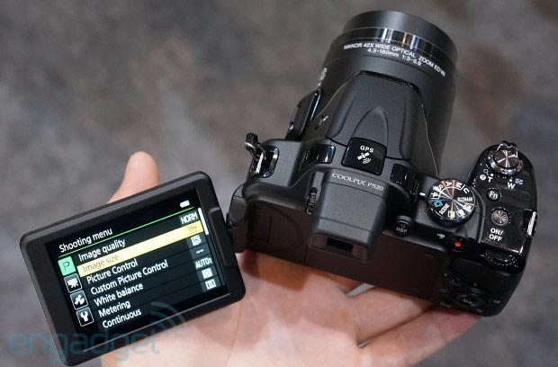 Hands-on with Nikon's Coolpix P520 and L820 superzooms at CP+ (video)