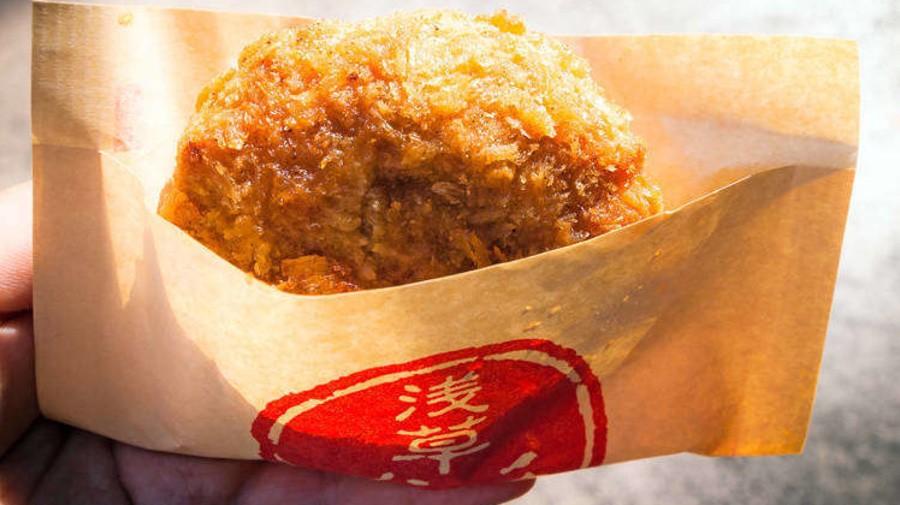 5 Best Shops for Cheap & Yummy Japanese Snacks Along Asakusa's Nakamise Shopping Street!