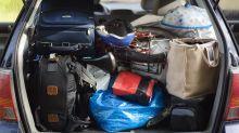 Una pareja lleva más de un mes viviendo en el coche con su hijo y sus dos perros