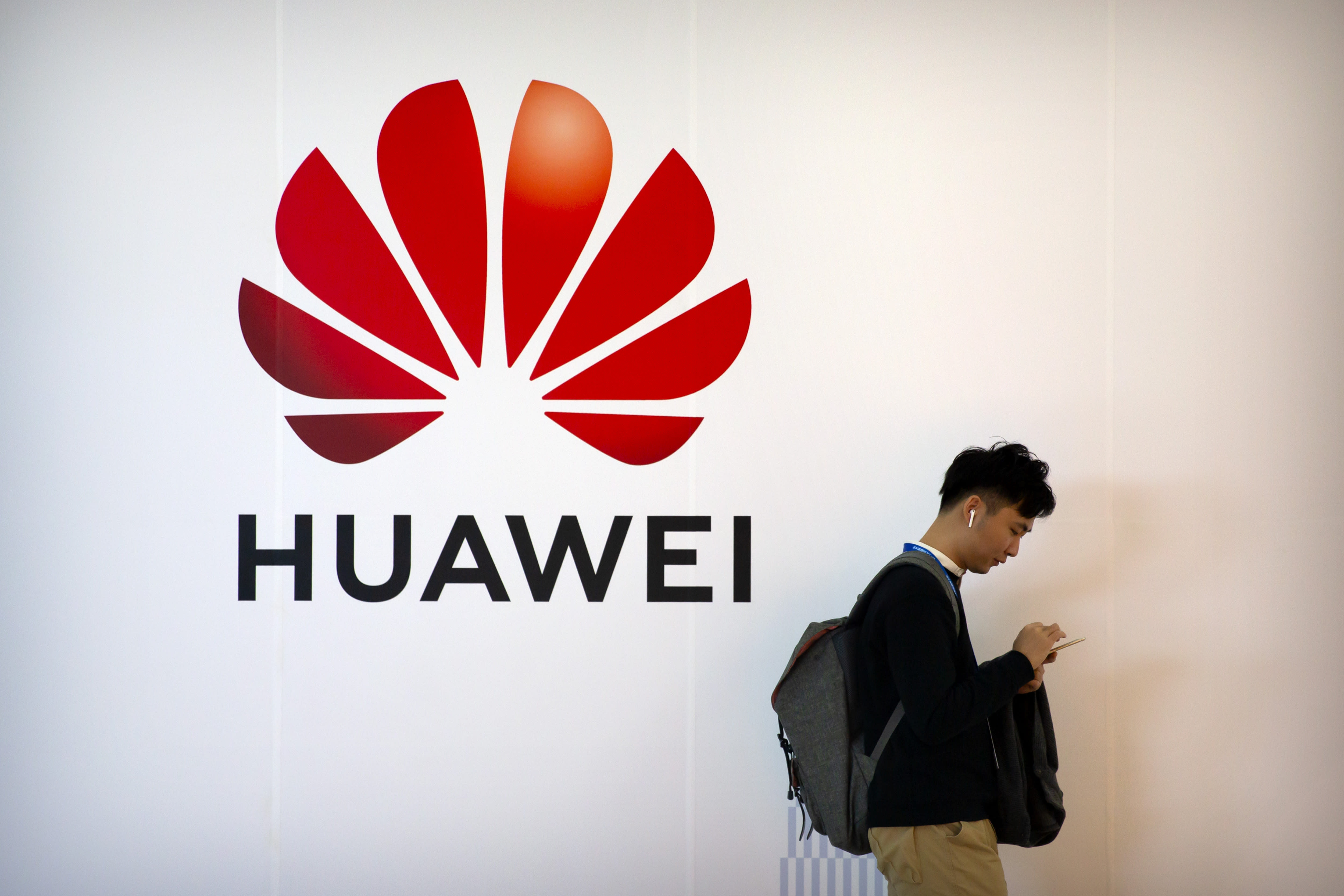 US-China battle on Huawei could lead to a 'splinternet'