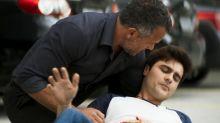 'A Dona do Pedaço': Leandro leva facada para salvar amigo de Cássia